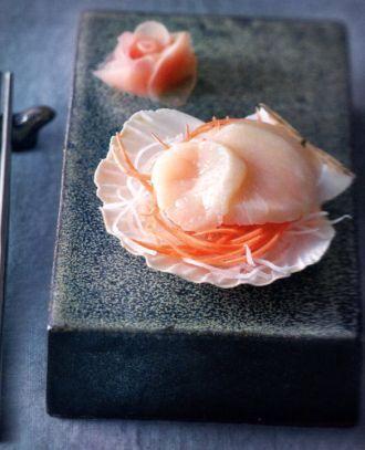 У вас дома есть морской гребешок и редька?  Отличный повод для Сашими из морского гребешка! Узнайте способ приготовления на нашем сайте ⬇ ⬇ ⬇