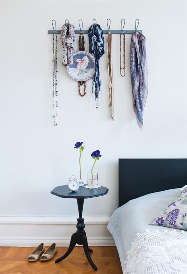 coat hooks: Wall Hooks, Decor, Sweet, Apartment Inspiration, Coat Hooks, Coat Racks, Craft Ideas, Coats, Crafting Gems