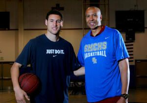 Klay Thompson Shoes | NBA star Klay Thompson on the Golden State Warriors has big shoes ...