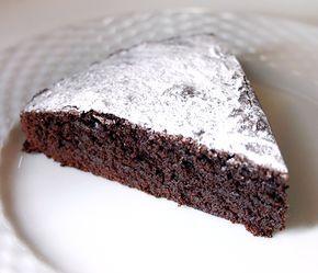 Zweedse kladdkaka ook wel kleddercake genoemd. Populair bij studenten om de smaak en zijn eenvoud. Makkelijk en snel te maken met een paar ingrediënten.