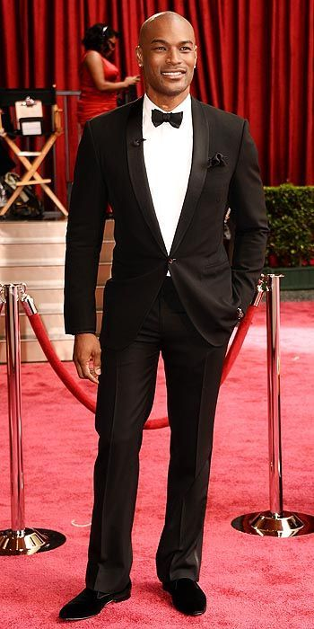 Tyson Beckford, a beautiful specimen of a human being, at the 2014 Oscars #MyTailorIsFree #menstyle #gentlemen #classy #business #menstyle #fashion #gq #custommade #menstyle #suit #italian #frenchstyle #fashionformen #menswear #suitandties #bowtie #tie #citymen #smartlook #outfit #glamour #tuxedo #redcarpet