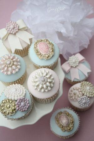 pastel beads vintage cupcakes by rosalind