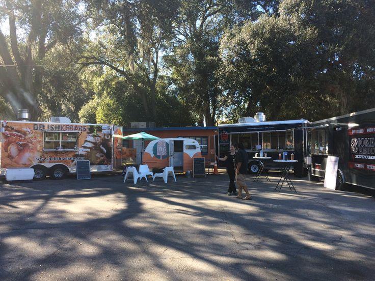 Food Truck Court - 3814 Beach Blvd