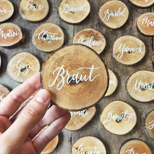 Holz beschriften Natur Namenskärtchen Platzkarten Namenskarten Platzkärtchen N…