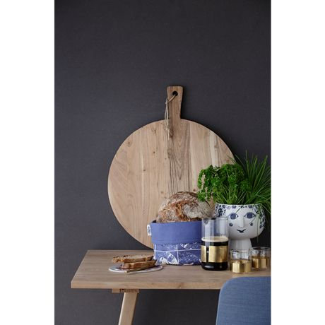 The Juliane pot plant holder with base gives your herbs and plants an attractive blue pedestal, adding a creative and personal touch to your window sill or kitchen counter. #bjørnwiinblad