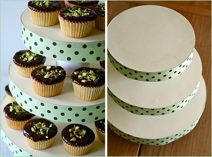 Les 25 meilleures id es de la cat gorie pr sentoirs - Presentoir a cupcake pas cher ...