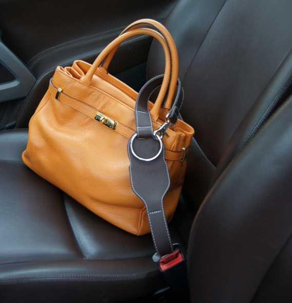 un antivol pour sac dans la voiture trucs et astuces pinterest sacs tuis et fils. Black Bedroom Furniture Sets. Home Design Ideas