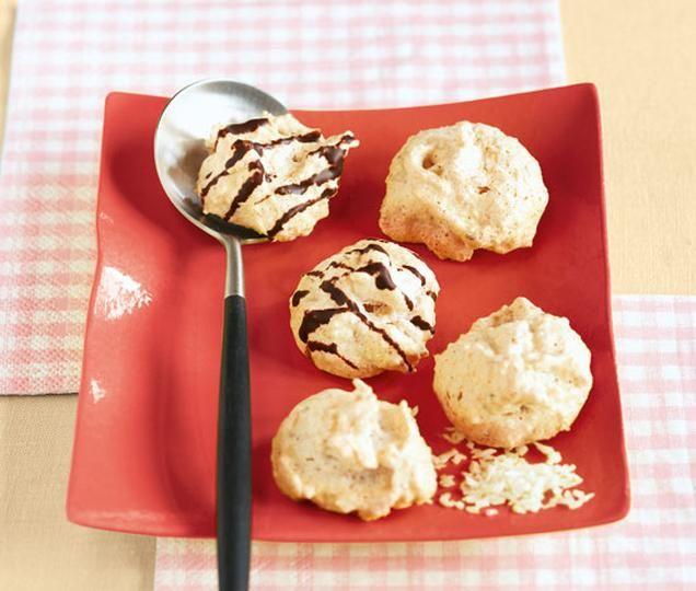 Kokosmakronen                              -                                  Ein beliebtes Eiweißgebäck zu Weihnachten