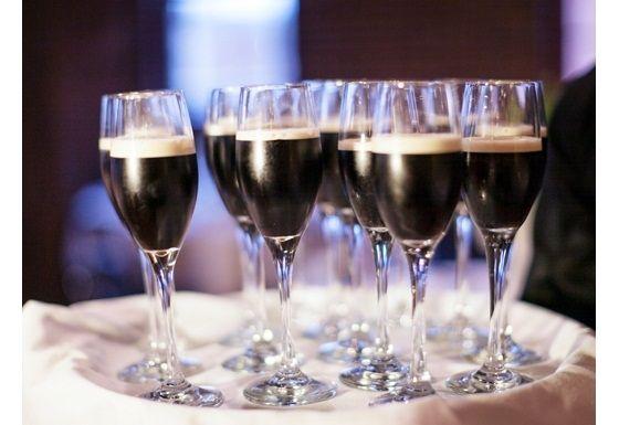 wedding_irish_theme_guiness_toast_champagne_flutes