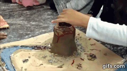 Experiência vulcão na escola
