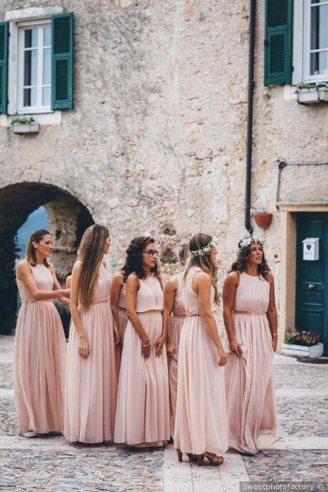 Damigelle d onore vestite uguali  matrimonio  nozze  sposi  sposa  damigelle 418ba67e0b19