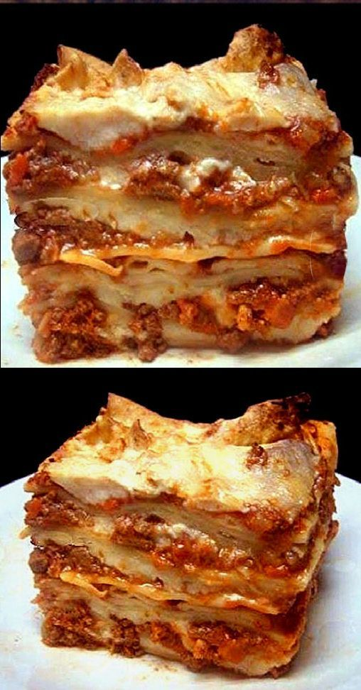 Authentic Lasagna Bolognese. Layers of Homemade Noodles ...