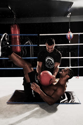 """Medicine ball punishment """"This conditions me to take blows ..."""