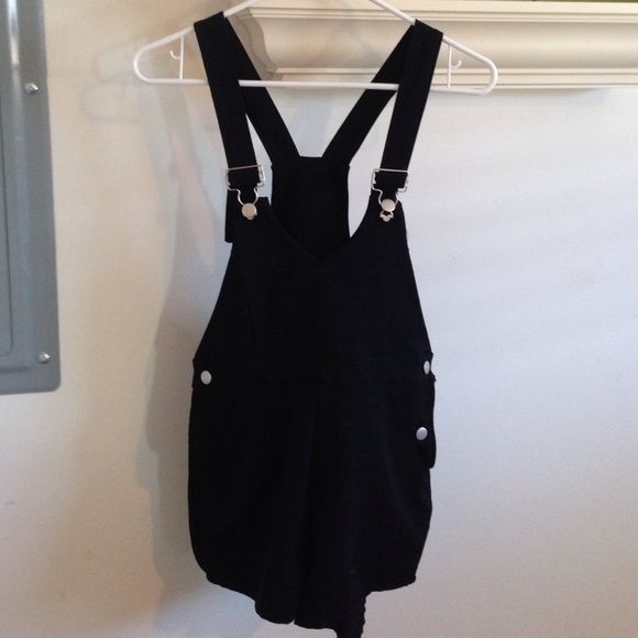 NAST GAL STYLISH OVERALLS Super cute black overalls from Nast Gal on Melrose :). Pockets on the butt are just for show (they are not real) but way cute with a brallet and heels  PERFECT CONDITION!! Nasty Gal Pants