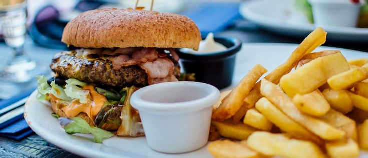Restaurants in South Devon | South Devon has firmly established its place on the food map, thanks to the high profile chefs who have established restaurants across the region. You'll discover restaurants of every kind ranging from Michelin-starred foodie heavens to more relaxed dining experiences.