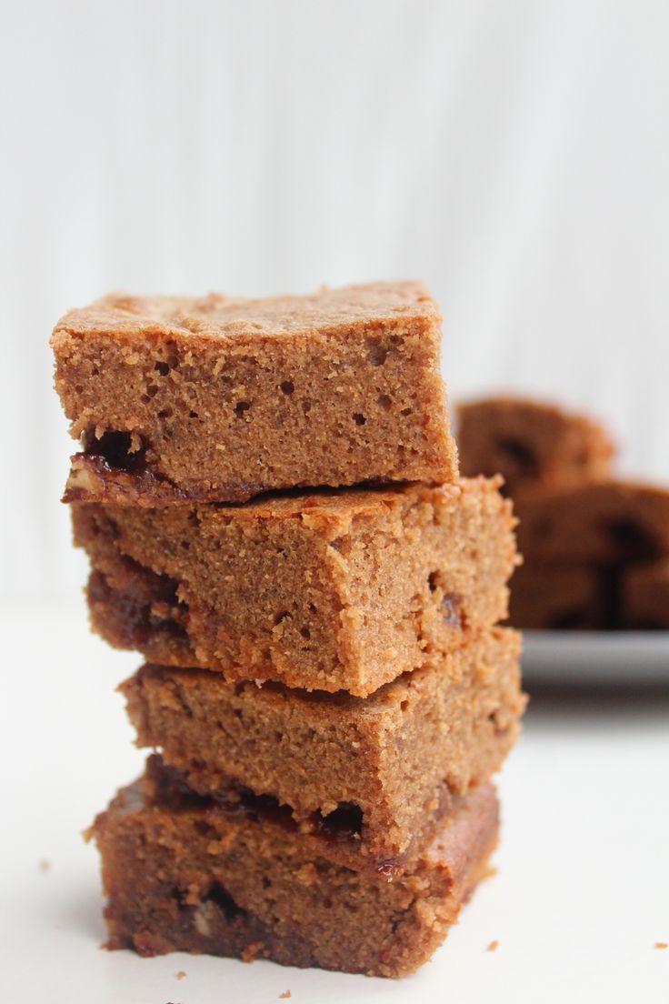 Tony's en Milka chocolade, Need I Say more? Deze Tony Brownies zijn gemaakt met Tony's Chocolonely Caramel zeezout en er zitten stukjes Milka Chocolade caramel in verstopt! Helemaal nie…