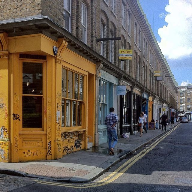 Street photography London by @laciudadalinsta ©