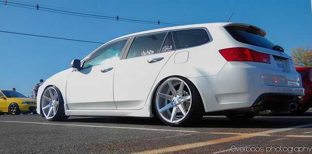 ACURA TSX Wagon! One day this bad boy will be in my garage too!