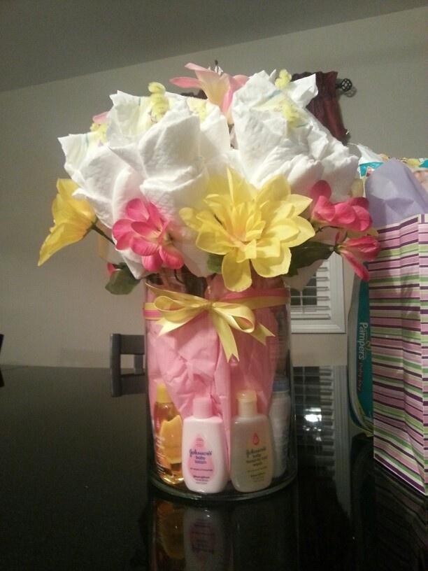 1000 images about diaper cakes on pinterest diapers for Pink diaper bouquet