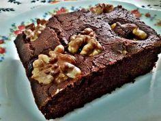 Bizcocho sin gluten y sin azúcar de chocolate con nueces