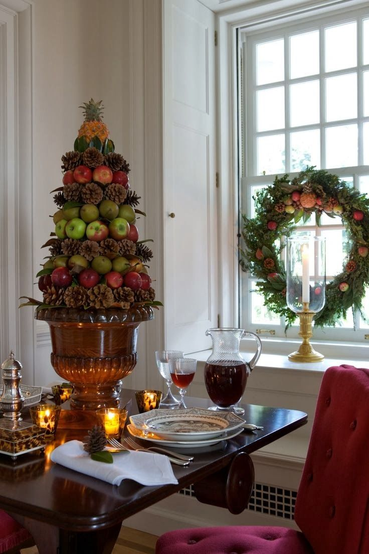 Fruit over the door christmas decoration - Carolyne Roehm Christmas 025 Jpg 736 1 104 Pixels