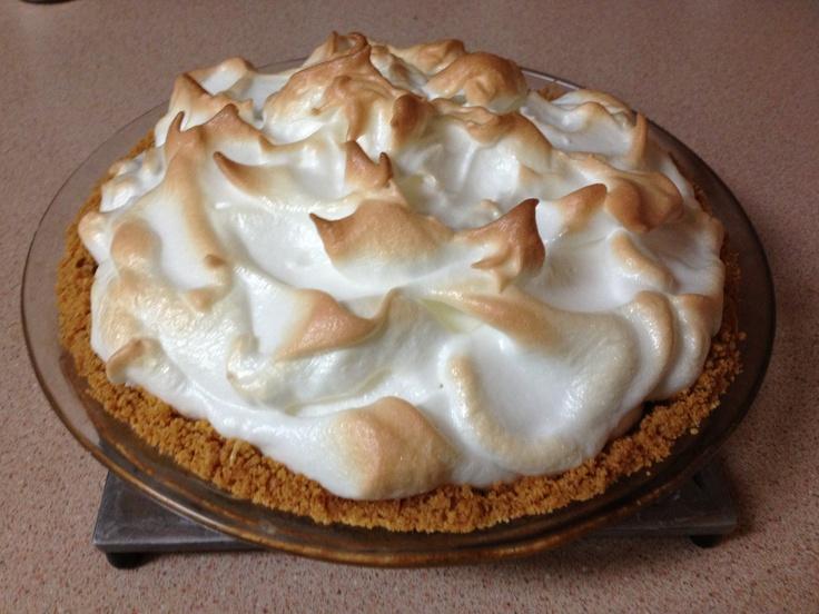 17 best images about desserts on pinterest egg yolks for Lemon meringue pie with graham cracker crust