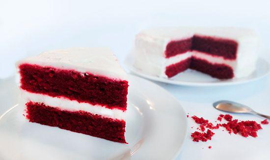 Торт «Red Velvet» (Red Velvet Cake) без красителя, с сырным кремом (топпиногом) из маскарпоне, филадельфии и сливок
