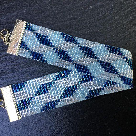 Handgeweven Miyuki armband met kubussen in 2 tinten blauw