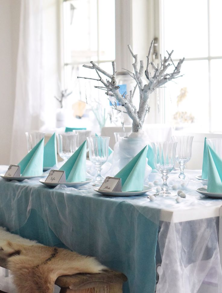 Tablesetting frozen party