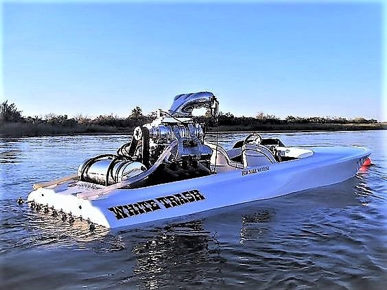 "High Performance Boat ""White Trash"""