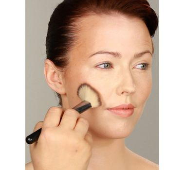How to Apply Makeup in 10 Easy Steps | eHow