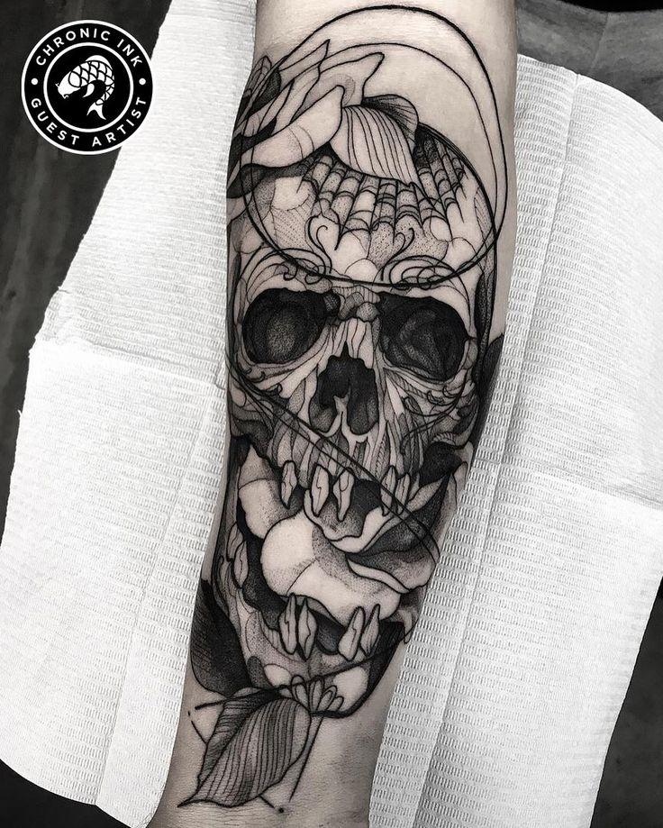 Blackwork skull by Guest Artist Felipe (felipexsanto
