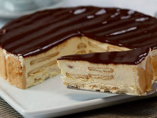 SEMI FRIO DE BOLACHA MARIA E CHOCOLATE - http://www.sobremesasdeportugal.pt/semi-frio-de-bolacha-maria-e-chocolate/