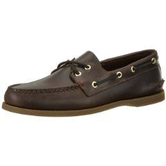 This classic Men's Boat Shoe is built with top grain water-resistant  leather that has been oil tanned withstand the stresses of serious boating.  It has a shock-absorbing EVA Heel Cup that allow you effortless movement.  The Razor-Cut Siping channel the water away for best traction on smooth wet surfaces.  This men's boat shoe is so comfortable you won't want to take them off!