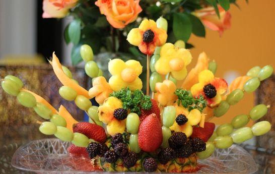 38 best centros de mesas con frutas images on pinterest for Centros de mesa con frutas