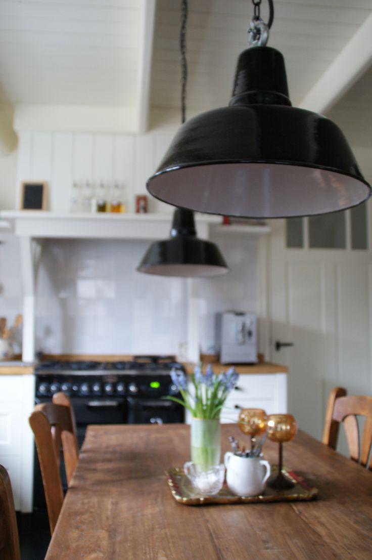 ... houten keuken van wieringh keukens dark units with oak see more pin 4