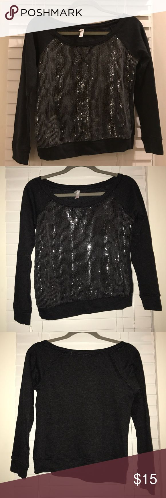 "Xhilaration Black Sweat Shirt with Gray Sequins S Xhilaration Black Sweat Shirt with Gray Sequins, size small. Gently used, maybe worn once, excellent condition. Style is somewhat cropped, but not all the way like the popular ""crop top"".  Fun shirt to wear with shorts on a cool summer night or perfect for lounge wear! *Reasonable offers greatly welcomed and seriously considered.  xhilaration Tops Sweatshirts & Hoodies"