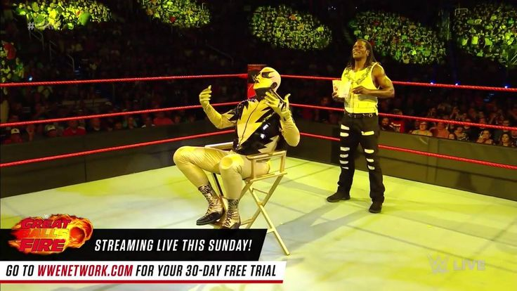 """It looks like R-Truth has a VERY negative review for Goldust's latest MASTERPIECE """"The Shattered Truth"""" on WWE Raw!"""