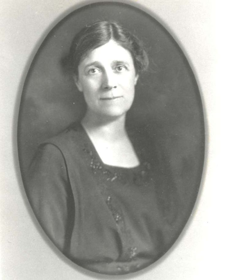 Helen Thompson (Woolley)  First Generation Female Psychologist. Career Focus: Sex differences; the effects of child labor; developmental psychology; psychological and vocational testing for children.http://www.feministvoices.com/helen-thompson-woolley/