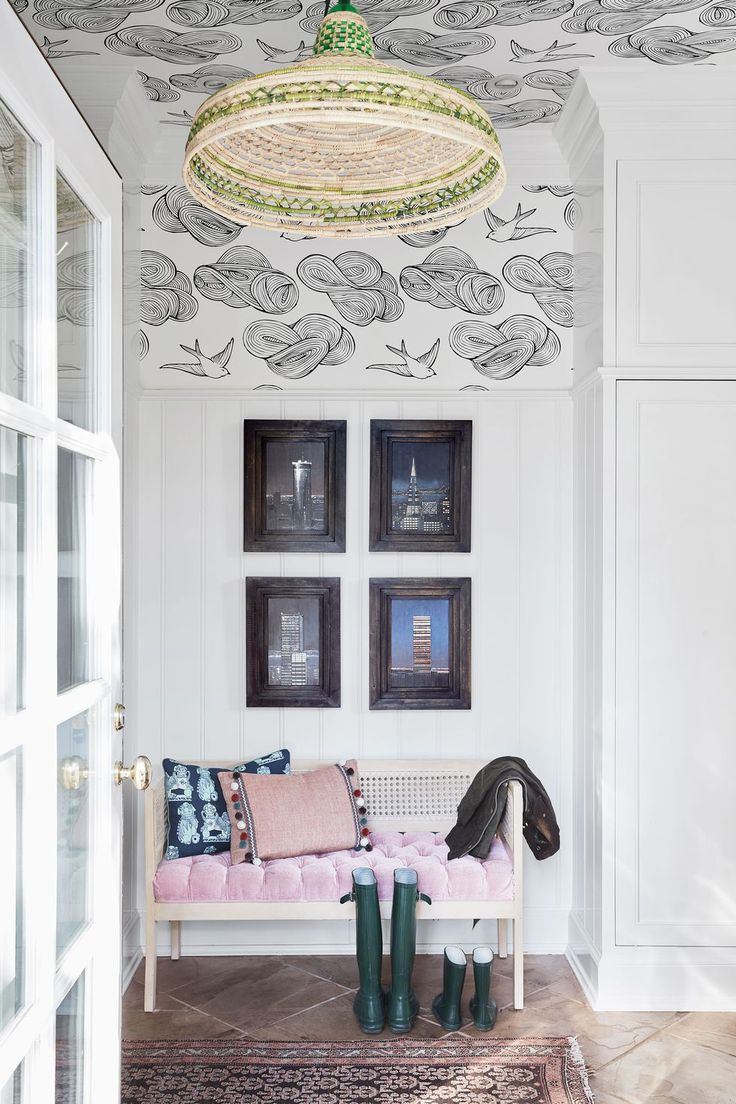 Gorgeous Mudrooms That Ll Inspire You To Renovate Yours Wallpaper Ceiling Stylish Bedroom Design Chic Wallpaper