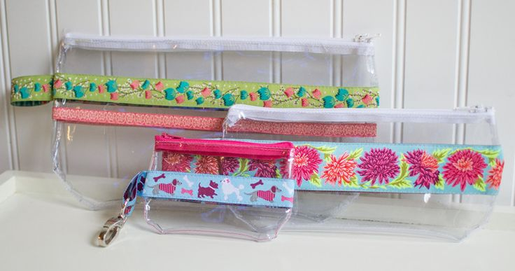 Ribbon and Vinyl Zipper Pouches {free tutorial!} — SewCanShe   Free Daily Sewing Tutorials