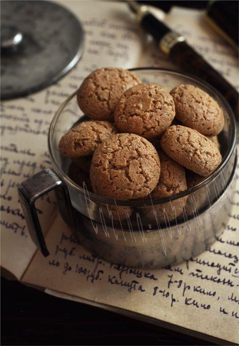 Amaretti – Italian Almond Cookies