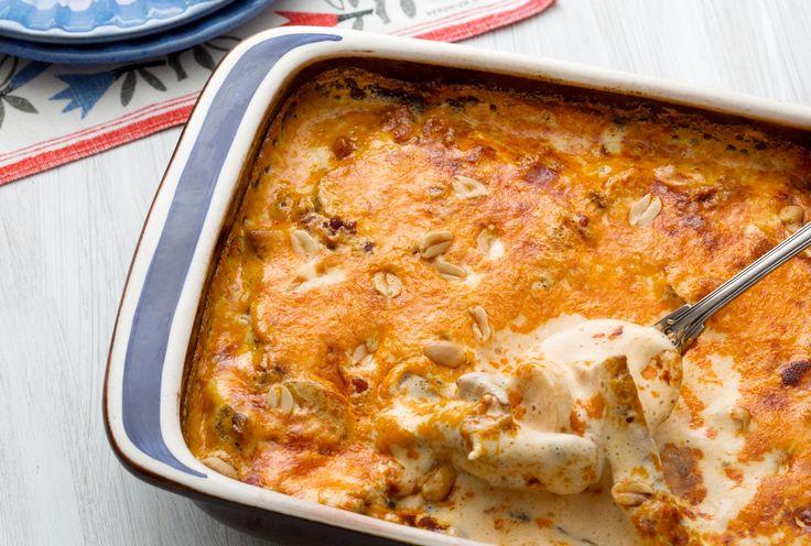 Flygande Jacob. Liberal LCHF när den är som bäst! En härligt lyxig gratäng gjord på kycklingrester, chilisås och mild currysmak.