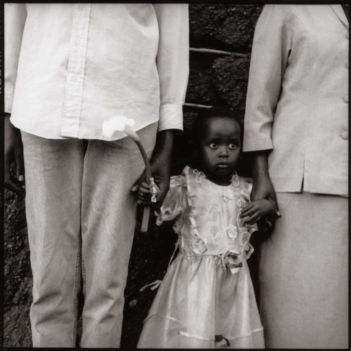 Bobette and Her Parents, Rwanda © by Sylvia Plachy
