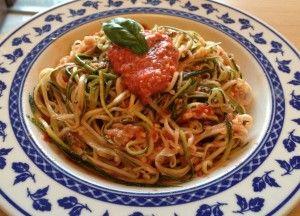 Spaghetti di zucchine al pomodoro