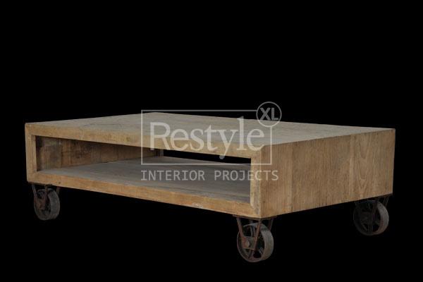 Salontafel wielen van oud hout op maat gemaakt voorstel: 100x50x30