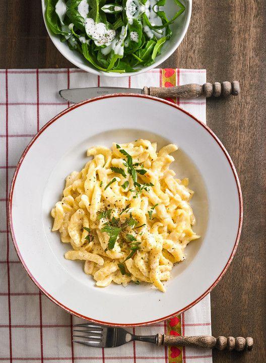 Cremige Käsespätzle, ein sehr leckeres Rezept aus der Kategorie Studentenküche. Bewertungen: 230. Durchschnitt: Ø 4,3.
