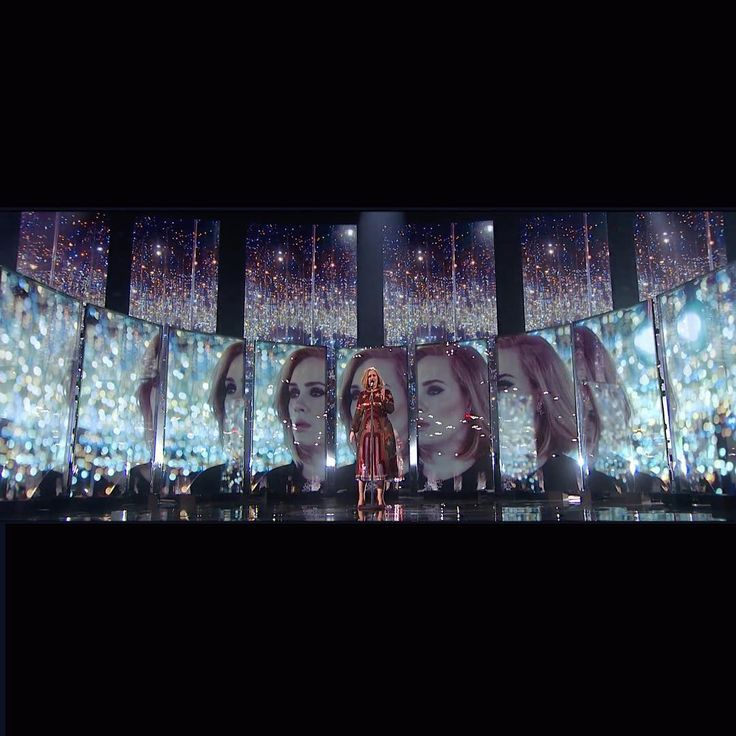 """""""Mi piace"""": 267, commenti: 6 - Es Devlin (@esdevlin) su Instagram: """"Adele performing When we were Young at the Brits : #moving #adele #kusama #brits"""""""