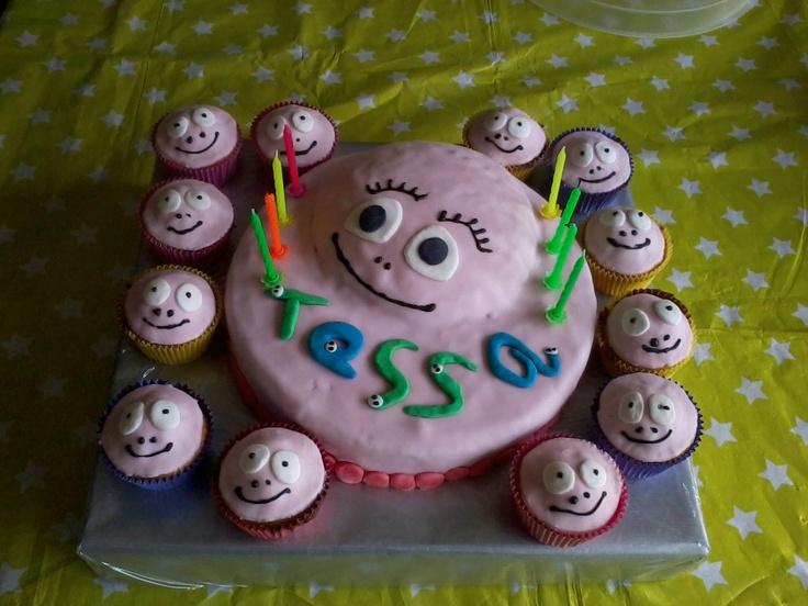 de taart van mijn dochter haar 8ste verjaardag gemaakt door Laura van de L