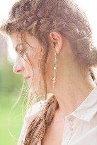 boucle d'oreill - Orchidée de soie http://www.orchideedesoie.com/catalogue/bijoux-mariage-boucles-oreilles-mariee/boucles-oreilles-caraibes-plumes.html